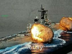 1700 Fully Assembled Model With Seascape USS Missouri Battleship Open Fire