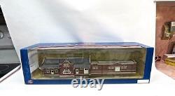 HO Gauge Athearn Rare Fully Assembled New in Box Santa Fe Depot (411)